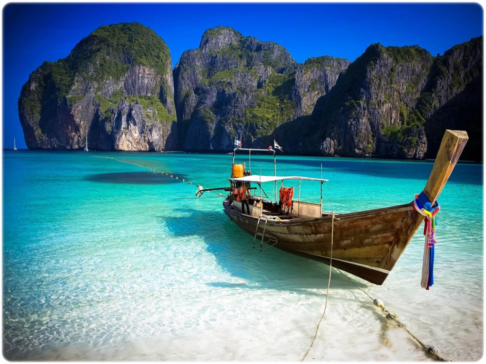 phi_phi_island_worldcitypages